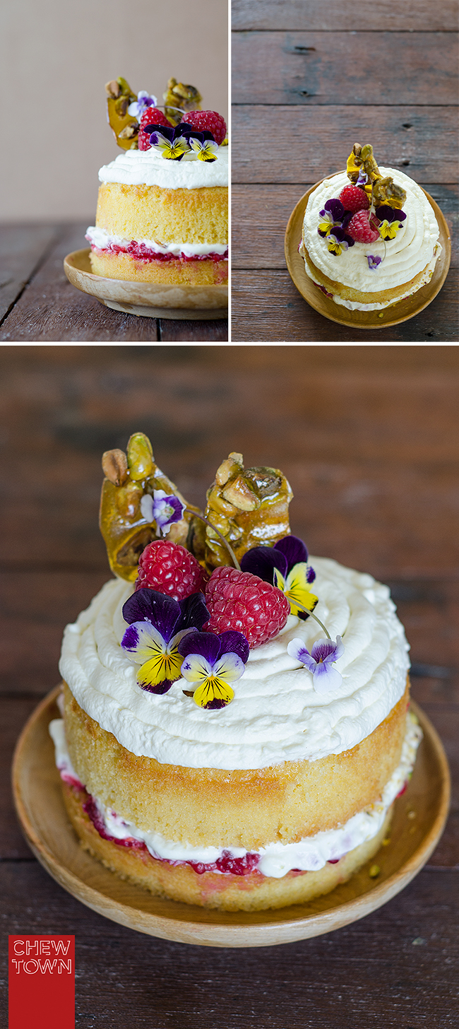 Raspberry-and-Pistachio-Praline-Buttercake-Bottom