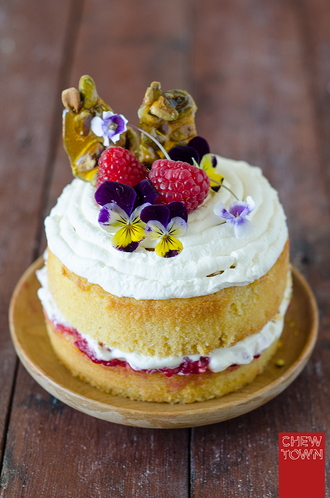 Raspberry-and-Pistachio-Praline-Buttercake