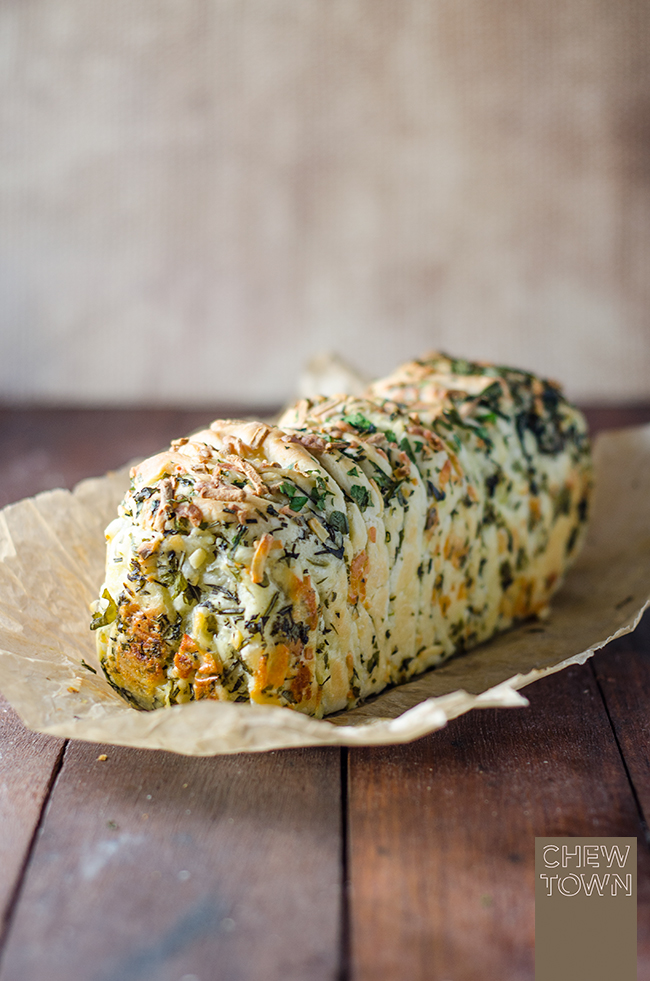 Garlic Herb and Cheese Pull Apart Bread | Chew Town Food Blog