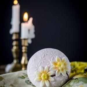 Sparkle Vanilla Cupcakes