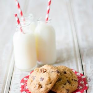 Walnut and Dark Chocolate Cookies